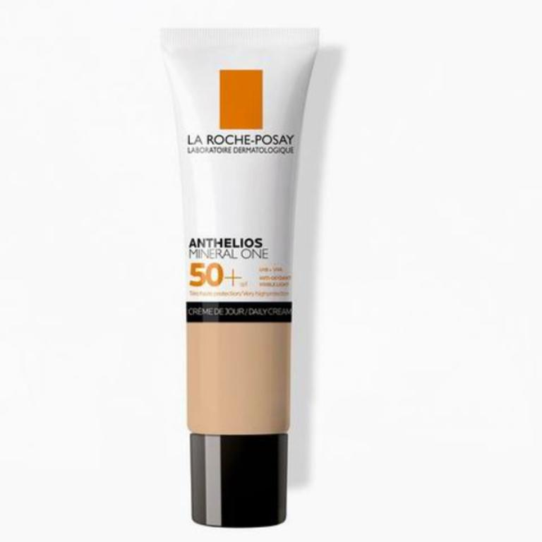 LA ROCHE POSAY Anthelios Mineral One SPF50+ 04